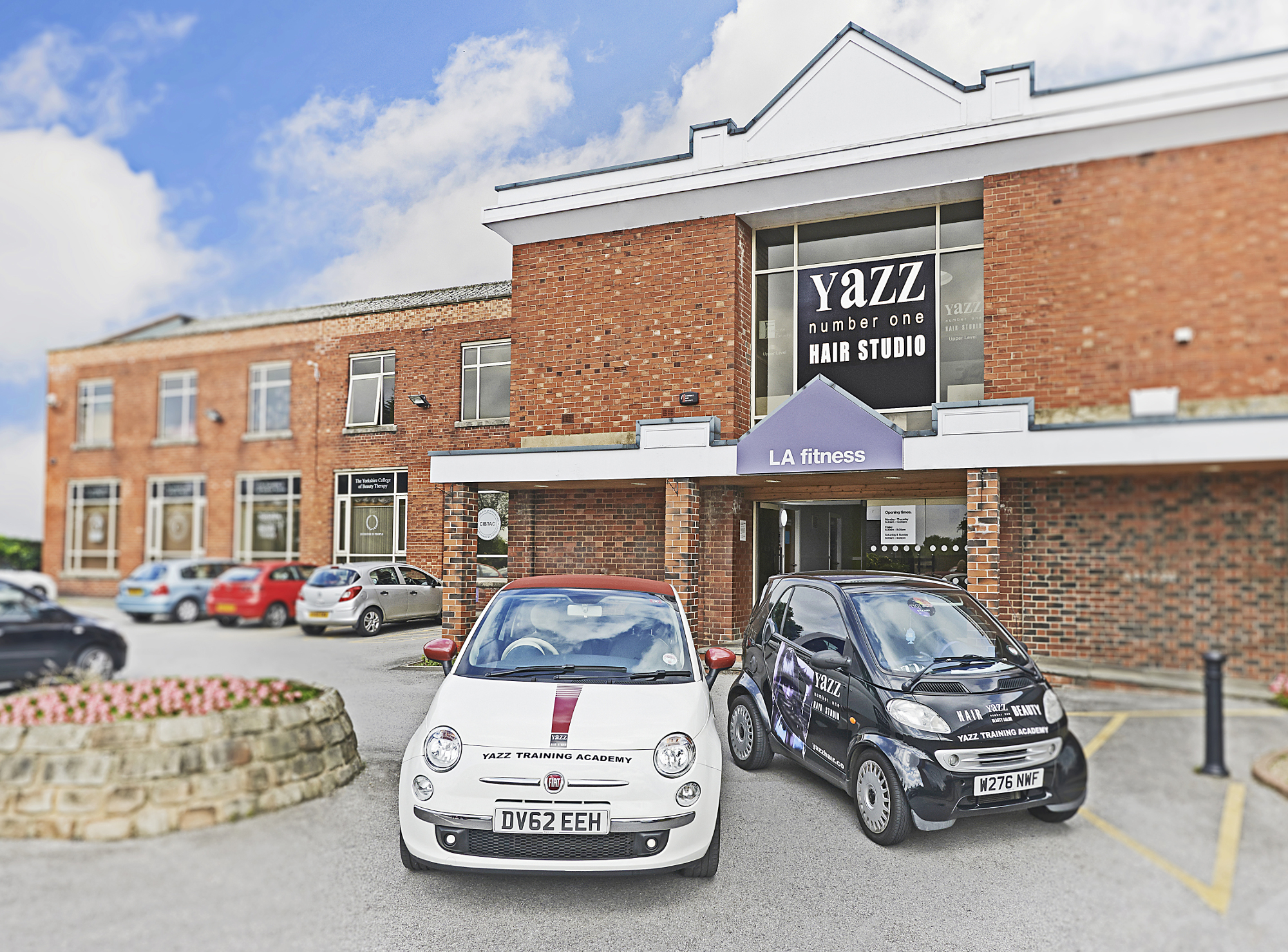 yazz hair yeadon salon - yazz number one hair studio