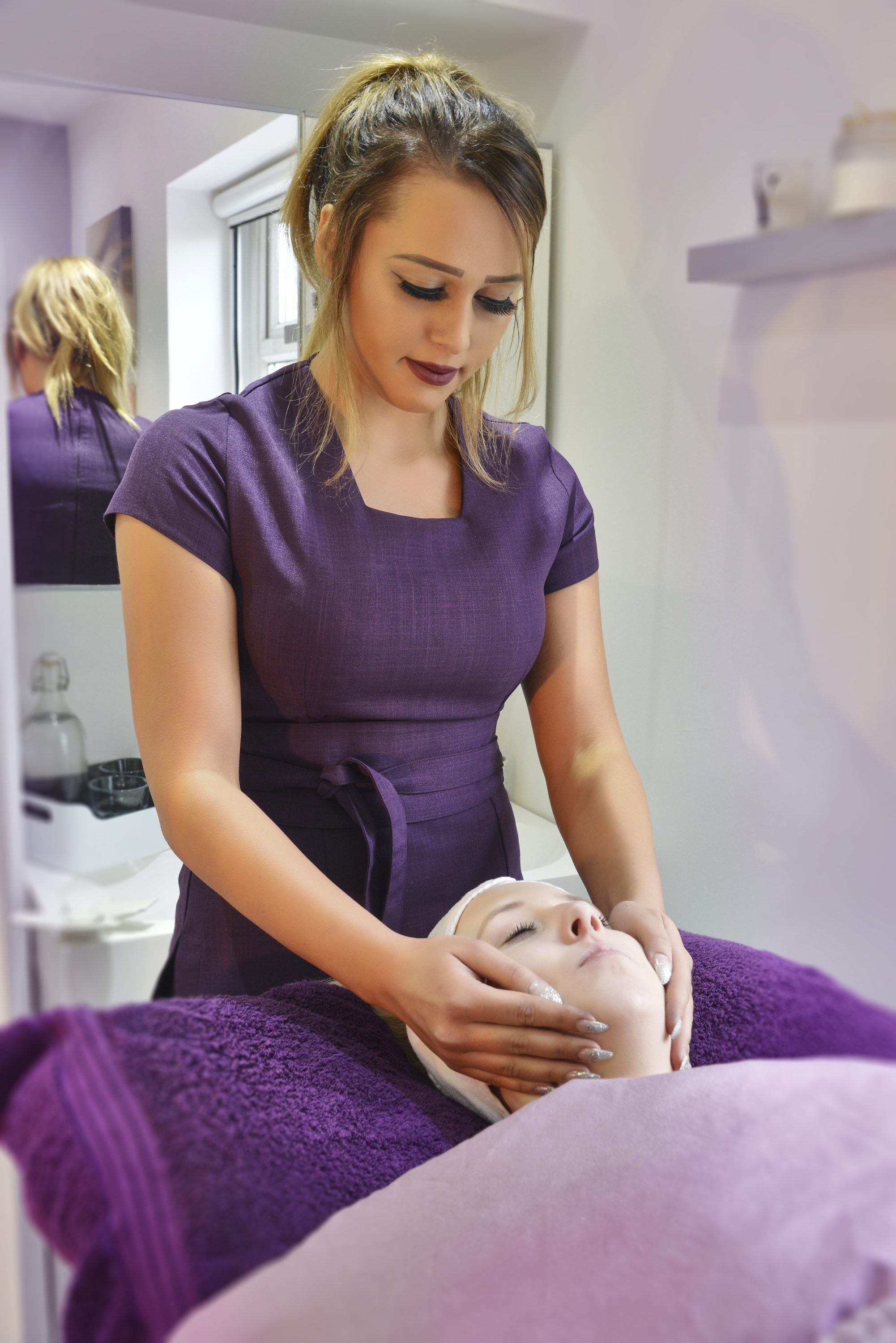 Yazz Beauty Salon. Massages & Facials alailable in our Rawdon Salon, North Leeds